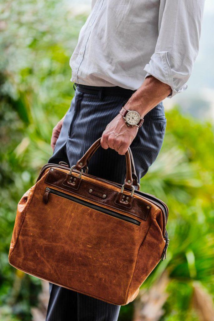 elegancja w pracy - męskie teczki skórzane