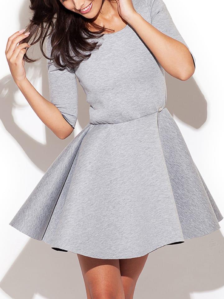kobiecy-szyk-sukienka-w-kolorze-szarym.jpg