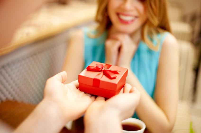 prezenty-z-najwyzszej-polki-co-podarowac-wymagajacej-kobiecie-3