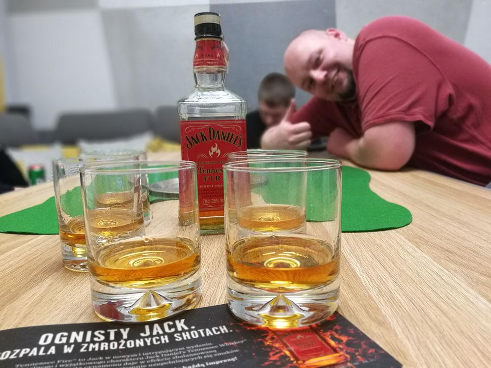 testowanie whisky jack daniels fire