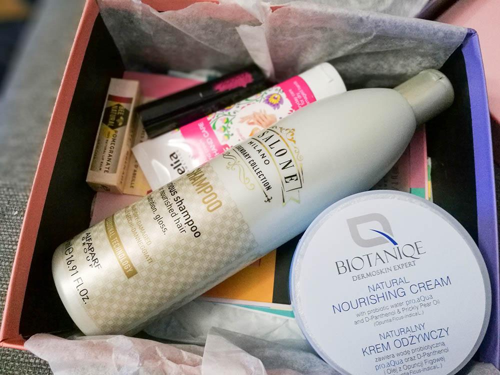 pudełko z kosmetykami shinybox październik 2018