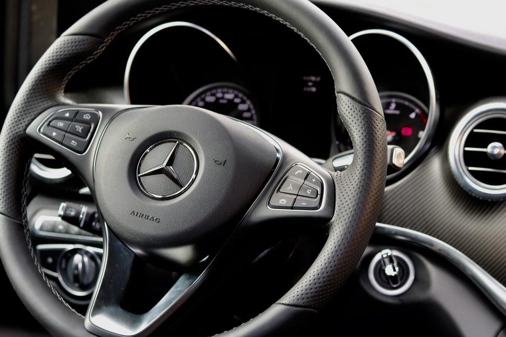 steering-wheel-2653335_1280